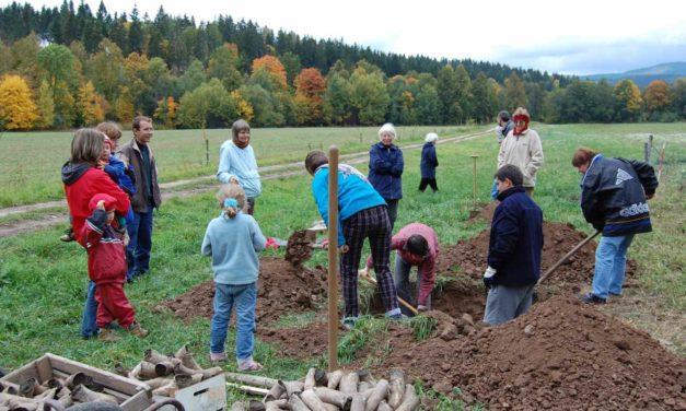 Podzimní vyrábění biodynamických preparátů na Fořtu